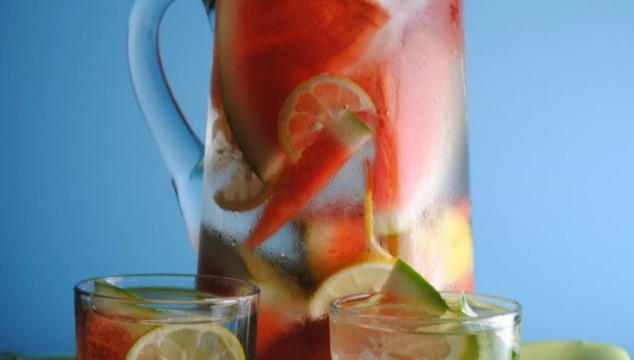 ADD A MEDLEY OF FLAVORS TO YOUR WATER